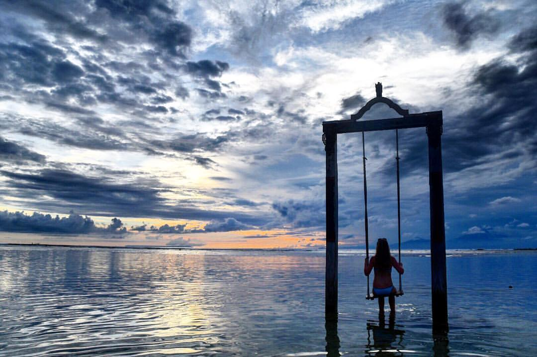 Gili T Sunset Swing
