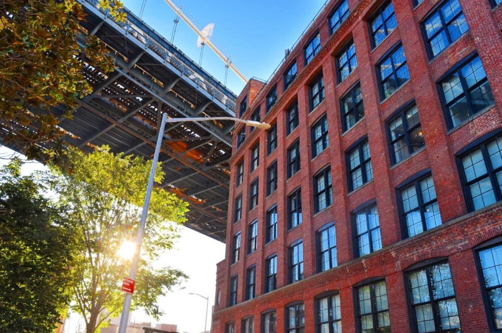 Dan Humphrey Loft Brooklyn New York Gossip Girl Filming Locations Sarah Latham