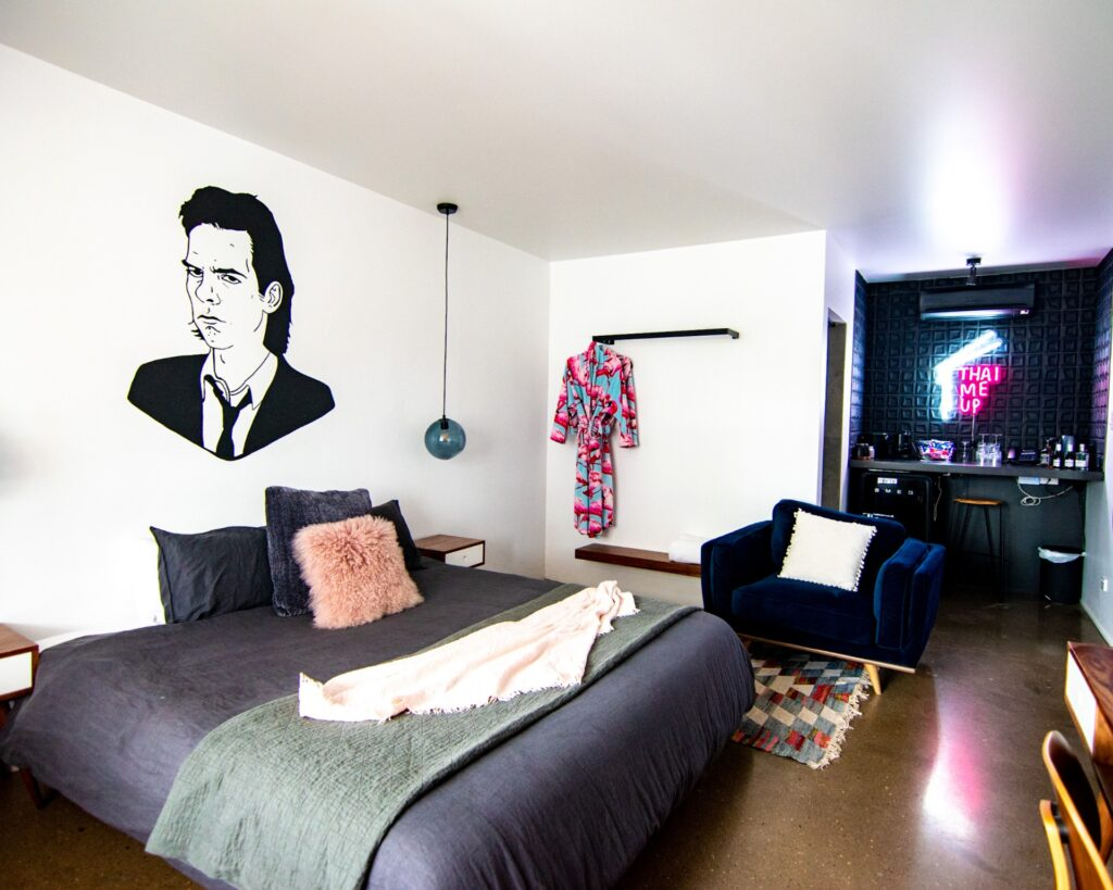 The Pink Hotel Coolangatta King Room